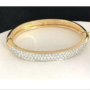 Swarovski Bracelet Gold Tone Crystals 9Z